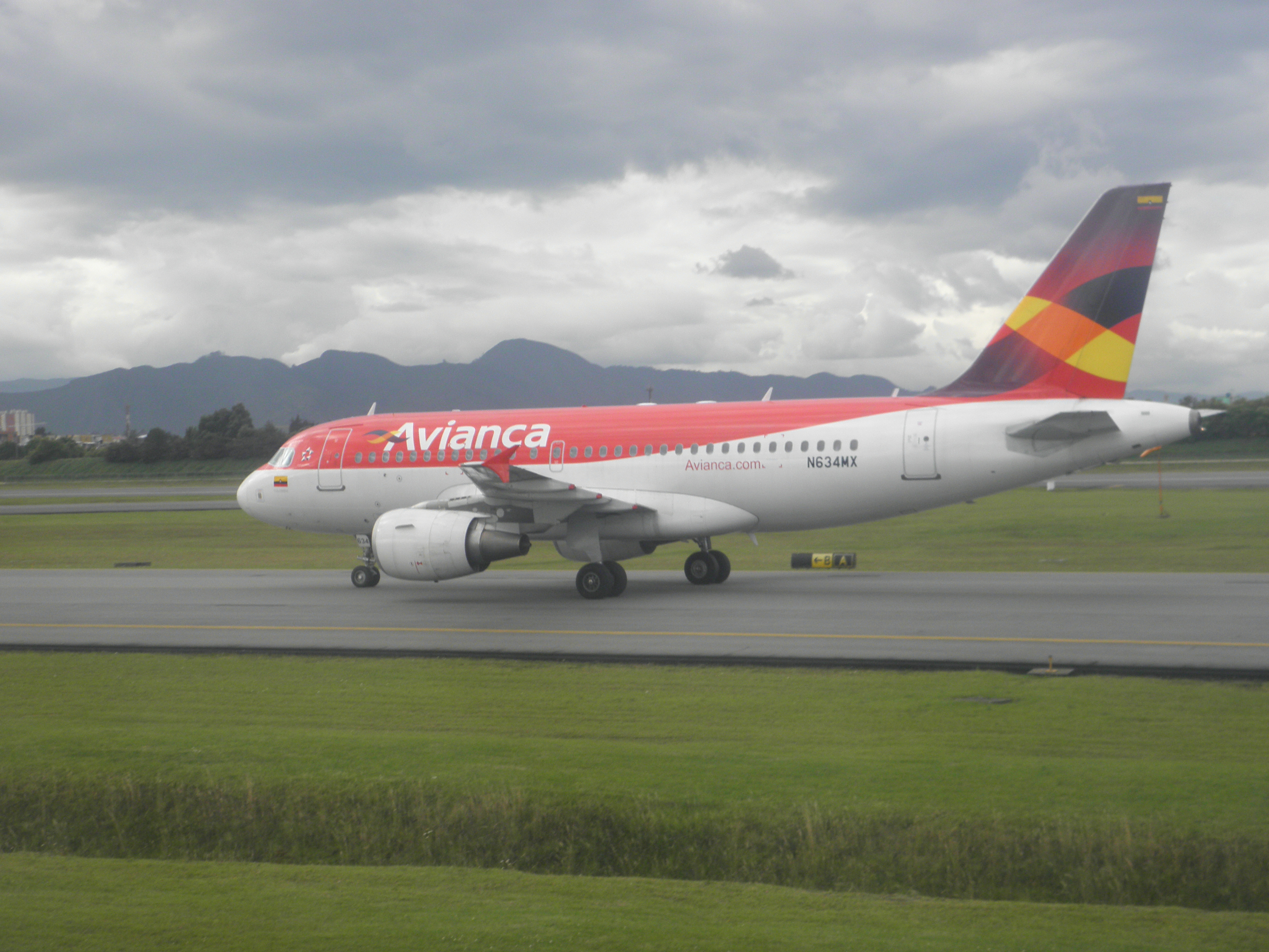 Photo of Avianca Airbus A319
